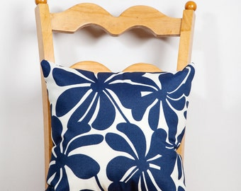 Outdoor Pillow, Outdoor Decor, Patio Decor, Indoor Outdoor Decor, Pillow, Mod, All Weather, Floral Decor, Navy, White