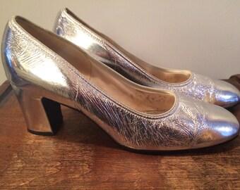 Vintage Retro 1960s Silver Heels