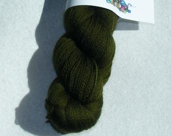 Dark olive green recycled pure merino wool yarn