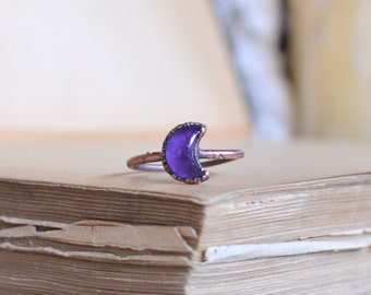 AMETHYST moon ring, made to order, size US, moon phases, crescent moon, raw jewelry, copper electroformed, knuckle ring, stacking ring