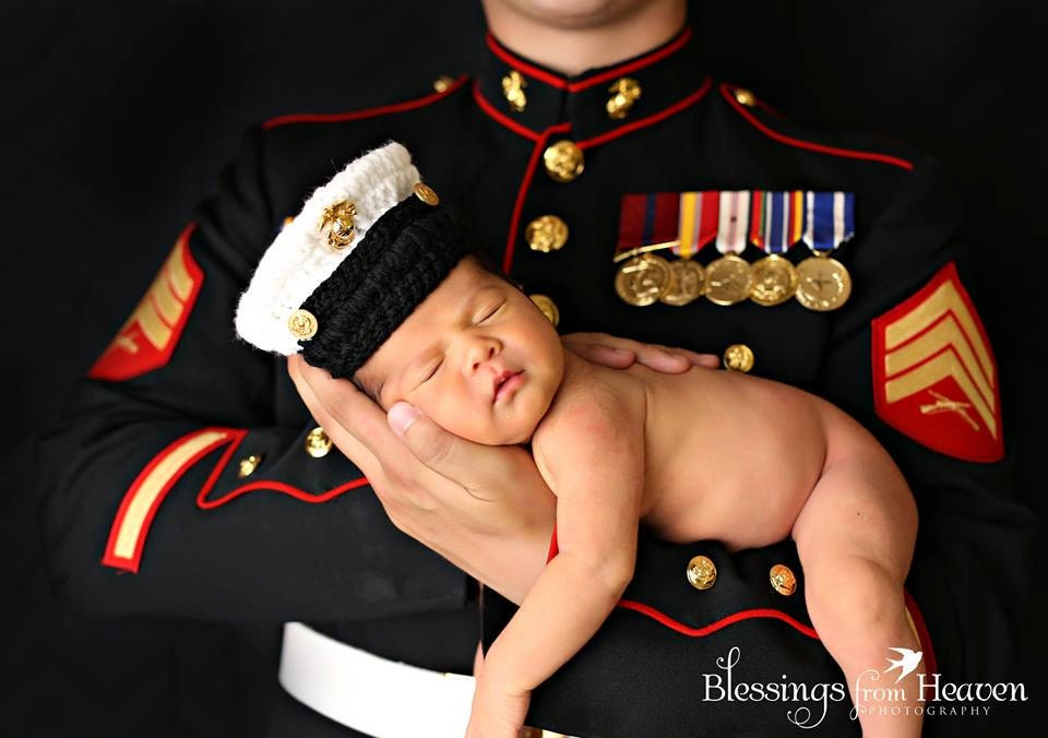 This Dress Blues set will have your baby looking sharp like his Daddy! The set consists of a long sleeved top with 4 simulated pockets, gold embroidered buttons, shoulder epaulettes, and a Reviews: 7.