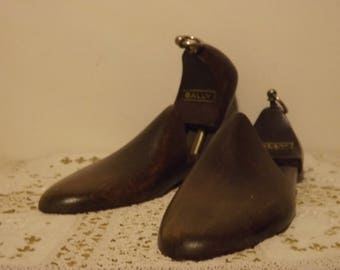 Vintage wooden, BALLY shoes form part 6