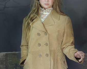 Vintage retro suede leather jacket / 70s revival stitched camel lined campus coat / warm