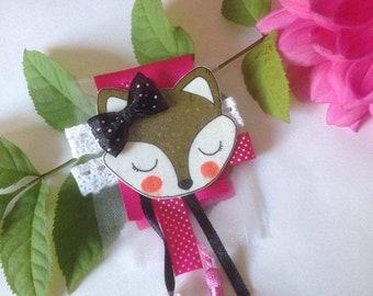 """Foxy pink"" Fox brooch"