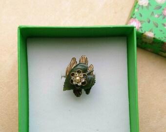 Adjustable Green Jade Heart Ring, Valentine's Day, Mother's Day, Brass Leaf, Golden Swarovski Roundel Charm - Loving Heart by enchantedbeas