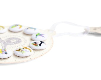 Fabric covered buttons handmade colorful white little round BIRDS Buttons nest