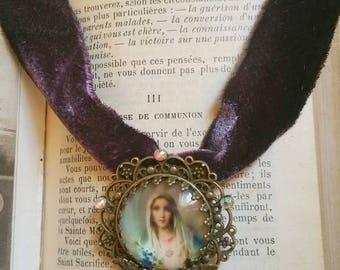 """Collier velours de soie ancien """"Vierge Marie"""""""