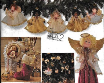 Simplicity 7938 Angel Christmas Tree Skirt Wreath Ornaments Victorian Lace Shirley Botsford Design Sewing Pattern UNCUT