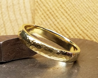 4mm Hammered Men's Wedding Band in 100% Eco-Friendly Recycled 14K Yellow Gold with Free Sizing 4-12