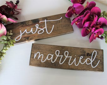 Hand Painted Just Married Sign, Wood wedding Sign, Wedding Sign Photo Prop, Rustic Wedding, Wedding Decor, Chair Signs, Wood Signs, Wedding