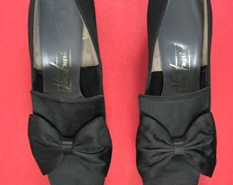 1960s Black Satin Pumps with Bows     size  7 B