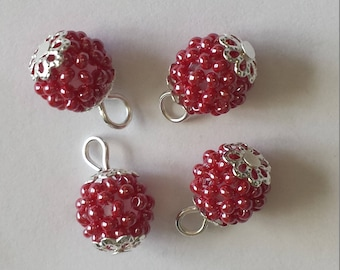 4 pendants seed beads (2mm) shiny red