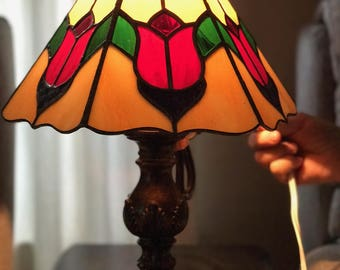 Stained glass tulip lamp