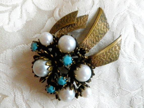 Faux pearl  and turquoise effect brooch, antique brass patina