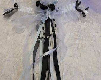 /Noire white bridal garter
