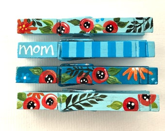 MOM CLOTHESPINS floral clothespins hand painted magnets Mother's day blue flowers chip clips