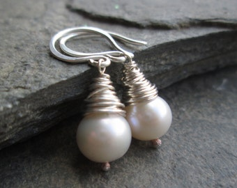 Ivory pearl earrings - pearl drop earrings, freshwater pearl, real pearl earrings, wire wrapped pearl, bridal earrings, bridesmaid earrings