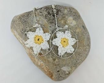 Handmade crochet daisy drop earrings