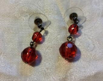 BEAUTIFUL red and gunmetal beaded drop earrings...