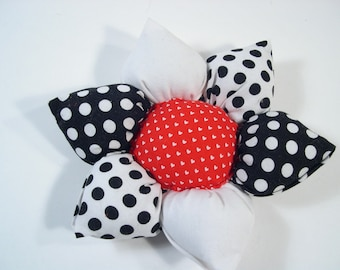 PIN CUSHION, Handmade Flower Pin Cushion,  Gifts for Her, Sewing Accessory, Organizer, Needlecrafting, Needle Holder.
