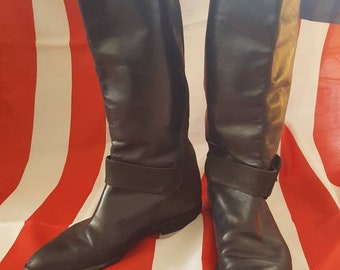 Sweet black leather buckle boots 1980s vintage