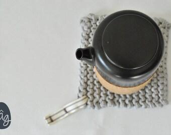 Below flat grey light grey cord