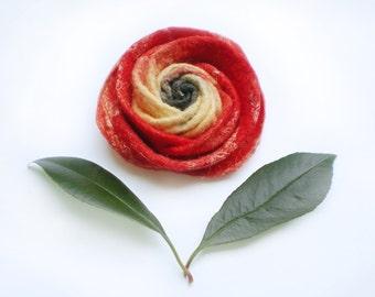 Cadeau Fete des mères, rose rouge en laine feutrée, broche fleur fait main, accessoire de mode pour femmes