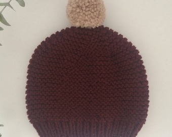 Bordeaux knitted beanie with champignon pompon