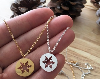 Snowflake Necklace, Christmas Necklace, Snowflake Charm, Snowflake Gift, Women Christmas Gift, Snowflake Jewelry, Winter Jewelry Gift