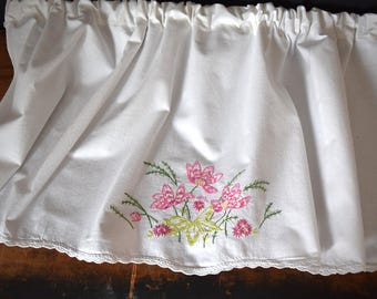 Upcycled Valance - Upcycled Vintage Linen - Hand Embroidered Valance - Valance - Window Treatment