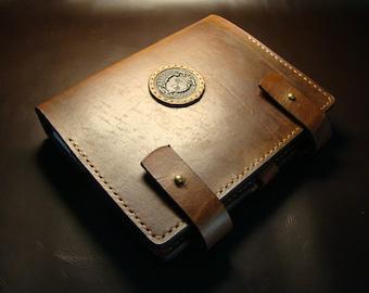 Leather organizer (notebook).