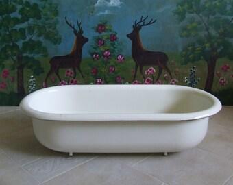 Garden Decor. Bird Bath. Baby Bathtub. White Enamelware White Tub Garden  Planter Vintage