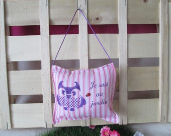 """OWL"" door cushion white with pink stripes"