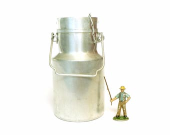 Milk can aluminium vintage 1950's french country - country kitchen antique rustic metal UNIS FRANCE - Deco milk can