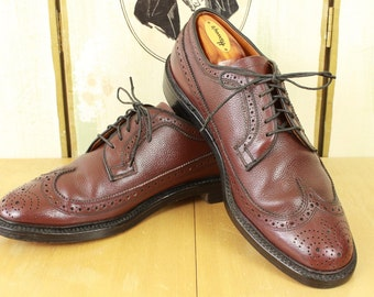 Vtg J.C. Penney Made in ENGLAND Longwing Shoes 7D Wing Tip Gun Boats V-Cleat Brogues Brown Scotch Pebble Grain Leather