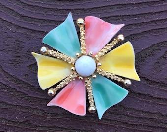 Vintage Jonette Jewelry Gorgeous JJ Pastel Pinwheel Flower Pin Brooch