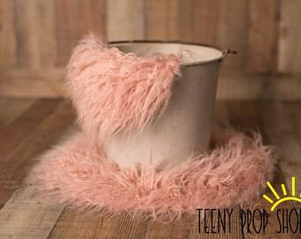 """16"""" Dusty Rose Pink Colored Sitter Rug, Basket Filler, Basket Stuffer, Layer Blanket, Newborn Prop, Newborn Basket Filler, Sitter Prop, Prop"""