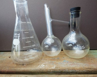 3 Vintage Glass Laboratory Pyrex beakers round bottle Lab Science Apothecary glass medicine collection lot supplies