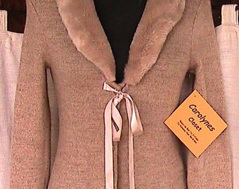 Size  small 1990s Beige Acrylic/Spandex Sweater Jacket