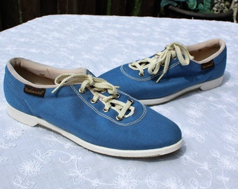 Vintage/blue/canvas style/bowling shoes. Brunswick. 1960s. Made in USA! Cute shoes! Gift/art deco! Wear them!! Cool shoes!