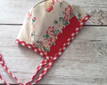 Strawberry Baby Bonnet, Vintage Fabric Bonnet, Red Infant Bonnet, Vintage Style Bonnet, 6-12 Month Bonnet, Brimless Bonnet, Modern Bonnet