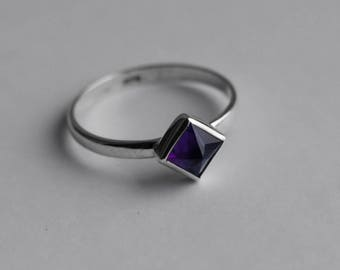 Sterling SIlver Ring With Natural Amethyst Sz 5 US 6.5 US