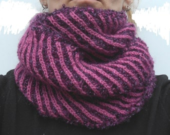 Purple-pink boucle snood