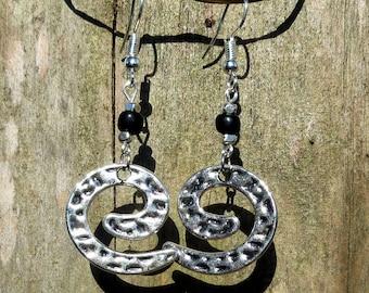 Black Pearl and metal spiral earrings