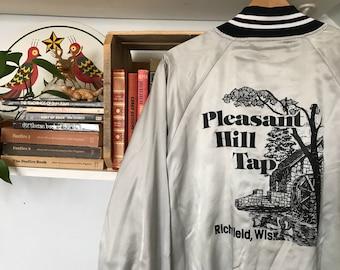Vintage Satin Jacket / Mens Womens / XL / Extra Large / Coach Jacket / Bar Pub Pleasant Hill Tap / Wisconsin / Baseball Jacket / 80s 1980s /