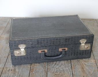 Vintage Black Suitcase with Double Latches, Black Faux Snake Pattern, Decorative Suitcase, Vintage Decor, Travel Bag, Hard Suitcase, Travel