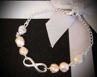 Freshwater pearls and sterling silver infinity chain bracelet