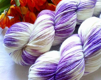 100g hand dyed merino wool with bamboo color 110