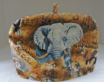 Serengeti Plains - Quilted  Domed Tea Cozy with Trivet