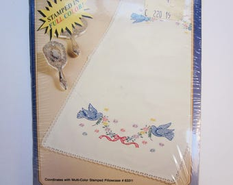 Bucilla Special Edition Dresser Scarf, DOVES, Stamped for Embroidery, NIB, 1992
